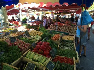 Daily morning market in Sanary